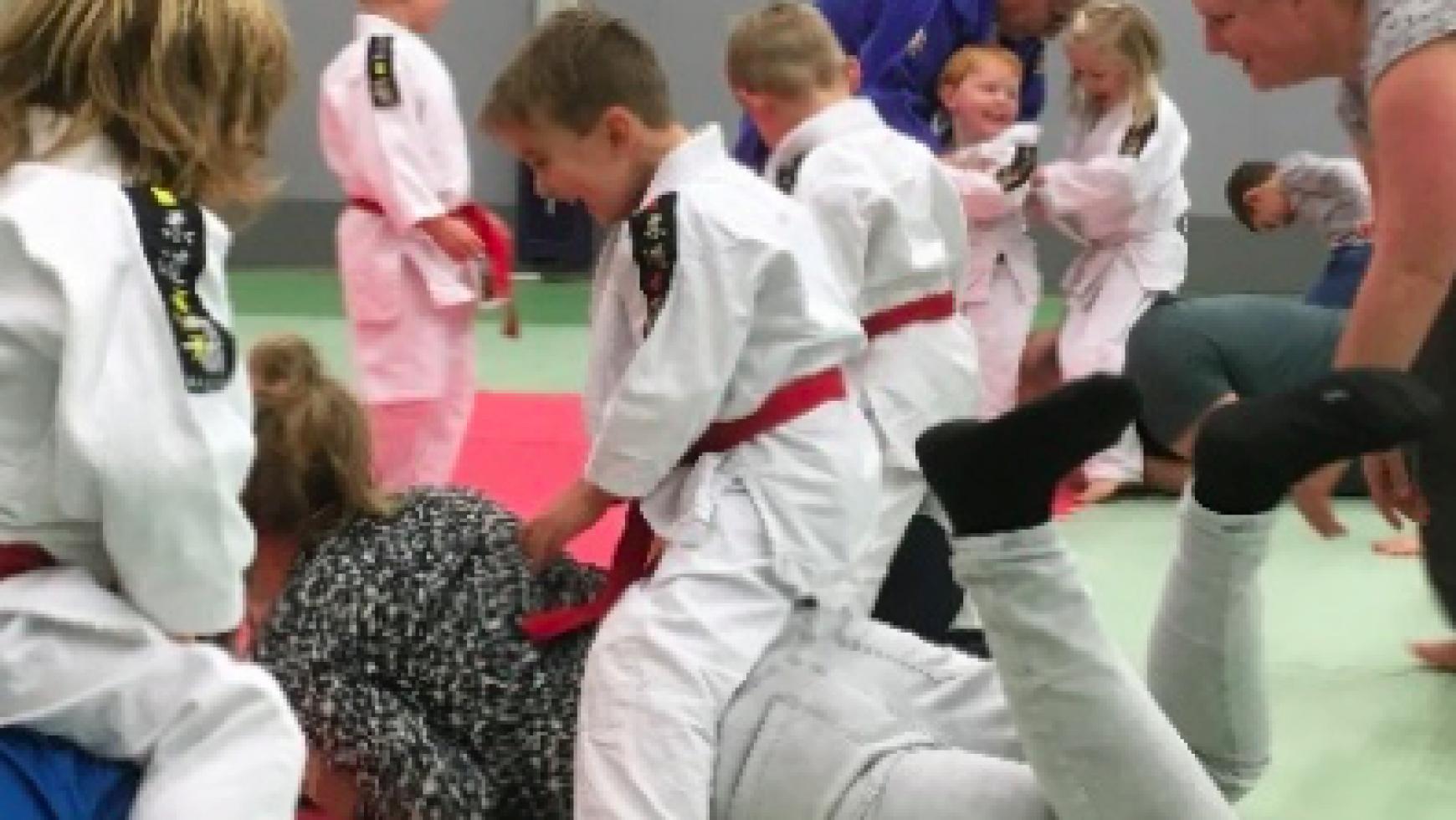 Sponsordag nieuwe judomatten